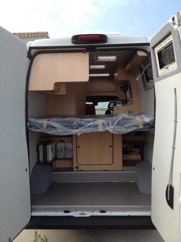 nos camping cars. Black Bedroom Furniture Sets. Home Design Ideas